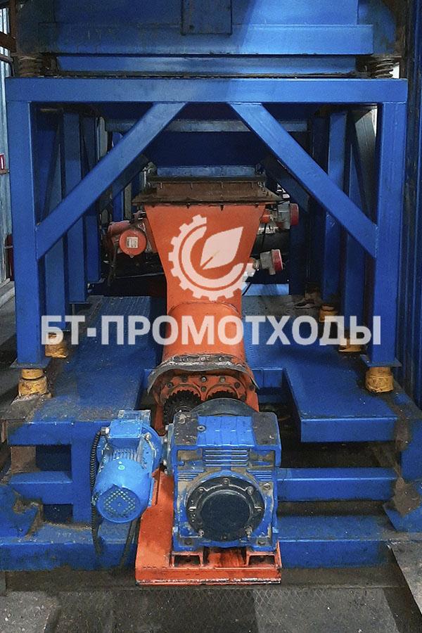 Загрузка отходов бурения и нефтешламов в УТД-2
